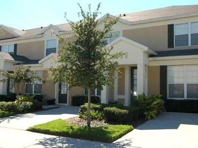 Townhouse located in Windsor Hills, close to Castle Themed Park and Clubhouse.