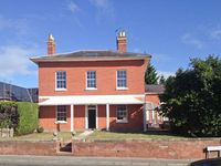 TUPSLEY HOUSE, family friendly, with hot tub in Hereford, Ref 8285