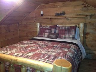 White Cloud cabin photo - The Red Cedar Room