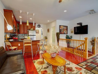 Queens house rental - HUGE LIVING ROOM WITH FLAT SCREEN TV , CHERRY HARDWOOD FLOORS VERY COZY !!!!!!!!