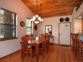 Show Low cabin photo - Dining room