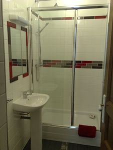 Double shower toilet heated floor oak door
