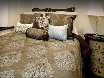 Murray Hill apartment rental - New Bedding Serta Perfect Sleeper Knollcrest Plush Super Pillow luxurious feel