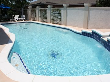 Tybee Island cottage rental - Large Pool & Hot Tub - umbrella table, chairs, lounges, floats furnished