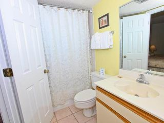 Holiday Surf and Racquet Club Destin condo photo - Bathroom