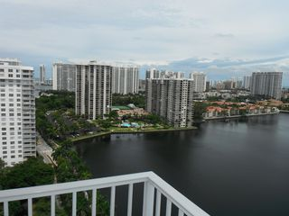 Aventura apartment photo - Again, you are the king of the world!