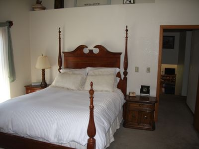Lake Almanor house rental - Master bedroom