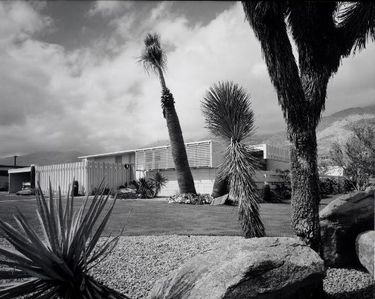 As photographed by Julius Shulman and published in 1958.  Copyright Getty Museum
