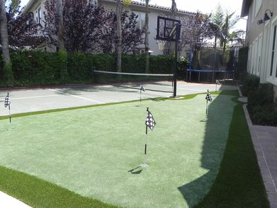 Trampoline, Sport Court, Basketball, Putting Green