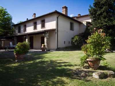 Chianti Holiday House, 9 Kms From Florence, Pool, Huge Garden, Views, Peaceful