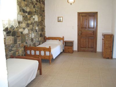 Kos cottage rental - bedroom 2 - 2 x single beds