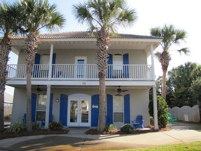 Emerald Breeze - 5BR/3BA Walk to the Beach, pools, & Tennis Court!