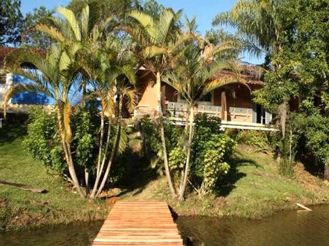 GREAT HOME WITH A WONDERFUL LAKE TO FISH -