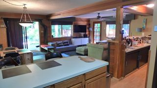 Mount Baker cabin photo - Open floor plan makes for great entertaining.