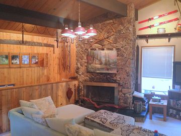 Lake Arrowhead cabin rental - Fireplace