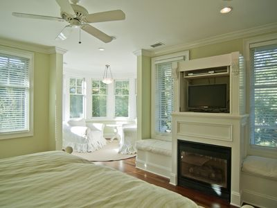 Master Bedroom - Fireplace and Sitting Area