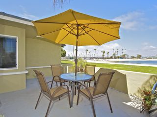 Mission Beach apartment photo - Shared furnished patio