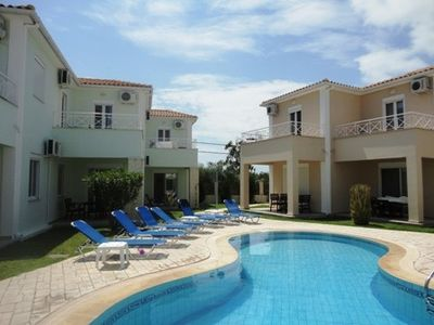 Kalamaki house rental - Plenty of sunbeds to relax on