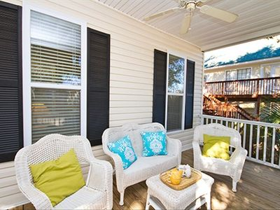 Beautiful Front Deck perfect for relaxing, morning coffee and a good book!