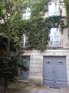 apartment in eighteenth building in the heart of the historic center