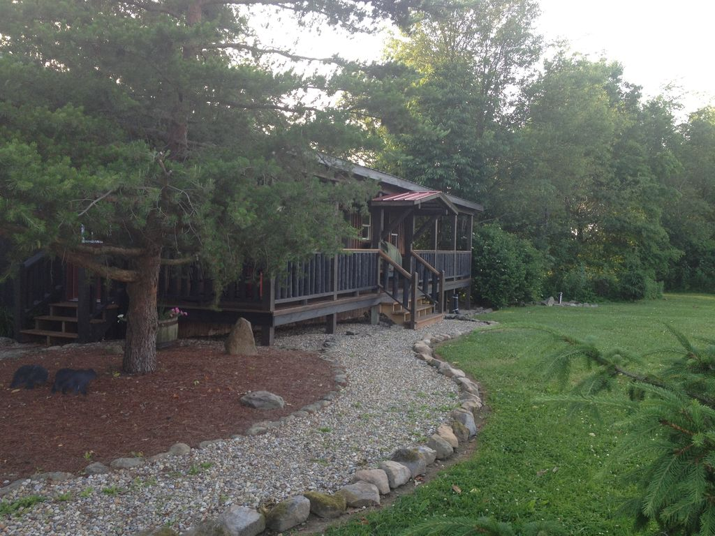 Gorgeous cabin located in central oh vrbo for Indian bear lodge cabins