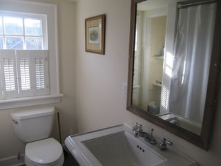 Manteo house photo - Upstairs bathroom