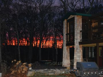 Saunderstown cabin rental - EverWrest sunset.
