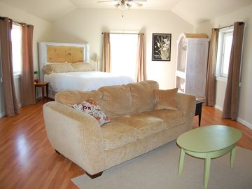 Atascadero apartment rental - Bedroom with Cal King bed/Living room