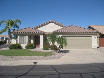 Apache Junction house rental - Front of home on corner lot