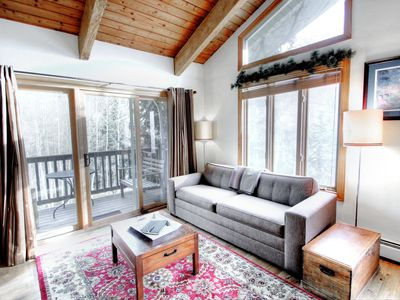 Cozy West Vail Condo 3bed/2bath, Valley Views, Covered Parking on Free Bus Route