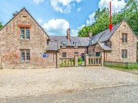 FORD COTTAGE, pet friendly, with a garden in Chatton, Ref 13774