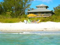 Coconut Hideaway: Beachfront Bliss! Caribbean Style, Old-Florida Seaside Charm
