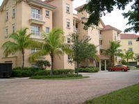 COME STAY AT BEAUTIFUL & PEACEFUL BELLA LAGO AND ENJOY A SPACIOUS 1,450 SQ FT