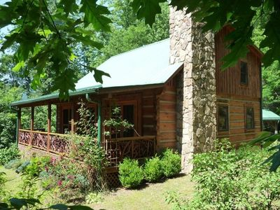 Winding Falls Cabin, authentic log cabin
