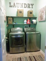 Sunset Island Ocean City townhome photo - Laundry Room with Heavy Duty Machines for all those Beach Towels