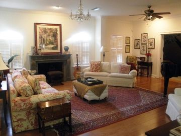 Living Room -- great for socializing (and sing-along if you play piano/guitar)