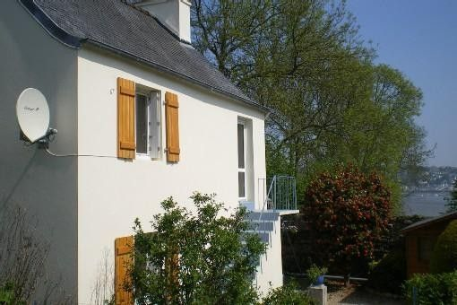 SMALL HOUSE: SEA VIEW ON 'THE BAY OF MORLAIX' OPEN ALL YEAR