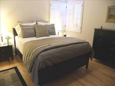 Studio City vacation apartment, Queen bed with luxury linens