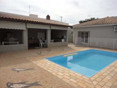 House safe in the center, bedroom suite, air conditioning, swimming pool and barbecue +