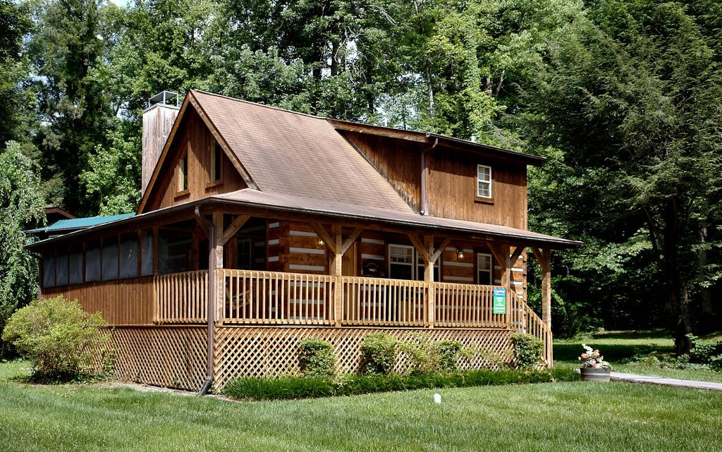 2 bedroom smoky mountain cabin anglers perch vrbo for 10 bedroom cabins in tennessee
