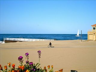 Marina del Rey condo photo - View from the front balcony, beautiful beach w/bik