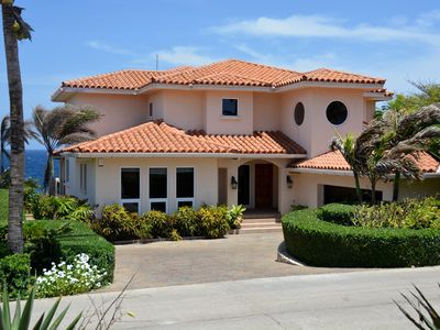 Casa Cascada, 4 bedroom villa with pool in West Bay