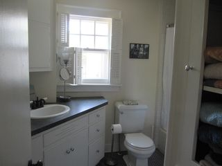 Manteo house photo - Downstairs Bathroom
