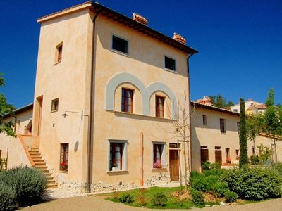 Holiday accommodation in the shape of a tower in the Tuscan countryside.