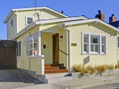 Adorable Historic Cottage one block to Beach/Lover's Point. 2 blocks downtown