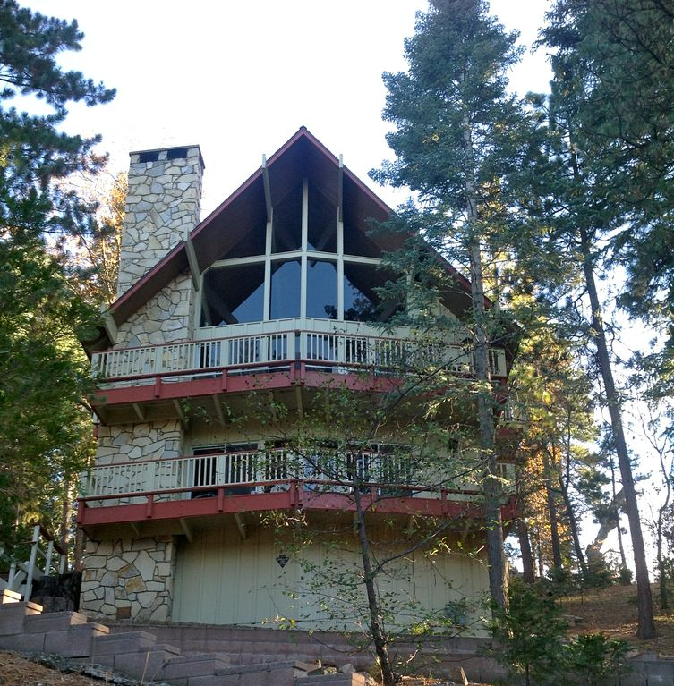Large Updated Family Mountain Home/4 Bdr w/ Game Room & LAKE PASSES!