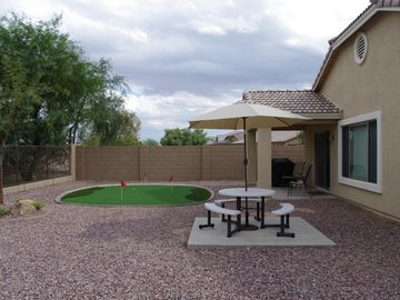 Queen Creek house rental - Practice your putting before heading over to the golf course.