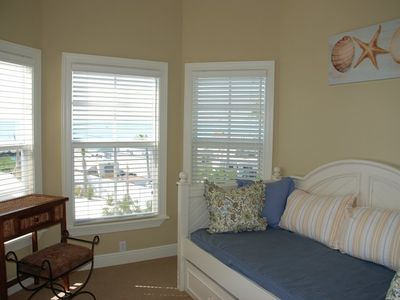 Islamorada house rental - 3rd Bedroom with trundle bed, deck & panoramic ocean views!