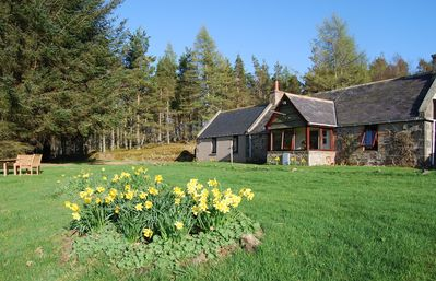 Charming, Secluded Cottage With Beautiful Views Over The Aberdeenshire Hills