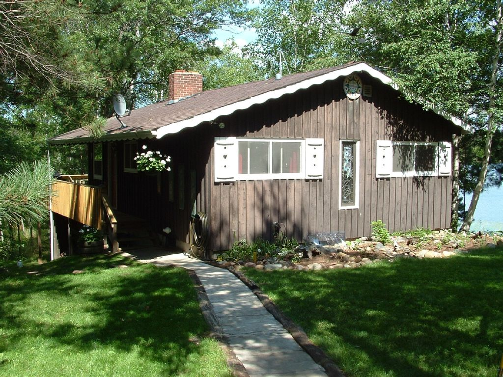 Private lakeside cabin on 13 acres weekly vrbo for Vrbo wisconsin cabins